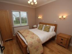 kilmuckridge-holiday-homes-wexford-luxury-self-catering-bedroom (27)