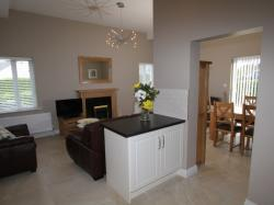 kilmuckridge-holiday-homes-wexford-luxury-self-catering-living-space (14)
