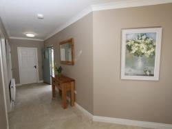 kilmuckridge-holiday-homes-wexford-luxury-self-catering-entrance-hallway (8)