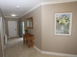 kilmuckridge-holiday-homes-wexford-luxury-self-catering-entrance-hallway (8)