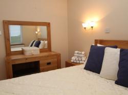 kilmuckridge-holiday-homes-wexford-luxury-self-catering-bedroom (37)