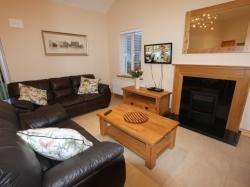 kilmuckridge-holiday-homes-wexford-luxury-self-catering-living-space (53)