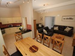 kilmuckridge-holiday-homes-wexford-luxury-self-catering-dining (45)