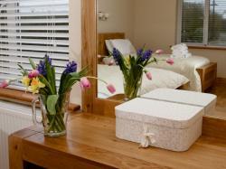 kilmuckridge-holiday-homes-wexford-luxury-self-catering-bedroom (34)