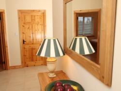 kilmuckridge-holiday-homes-wexford-luxury-self-catering-hall (36)