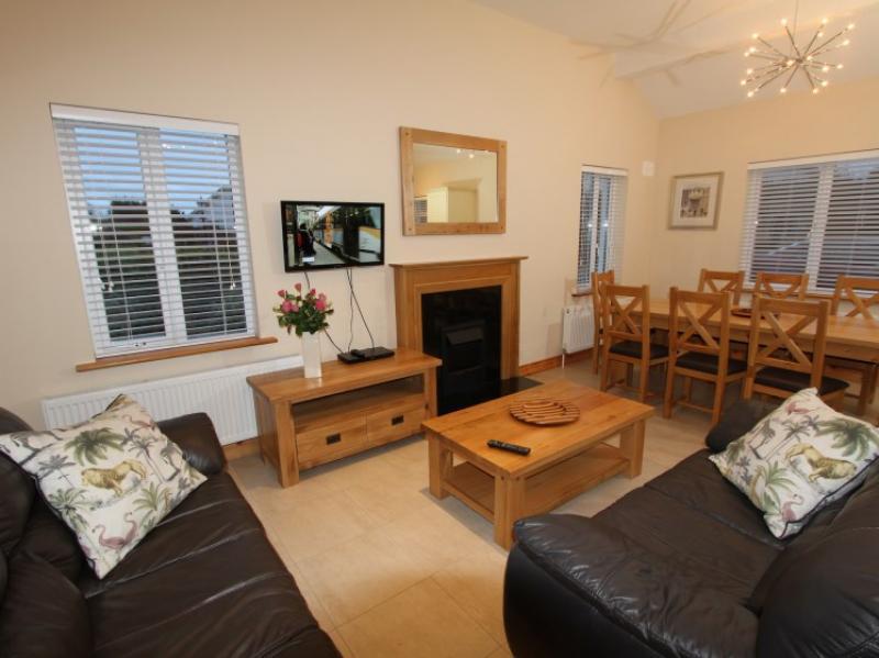 kilmuckridge-holiday-homes-wexford-luxury-self-catering-family-open-plan (51)
