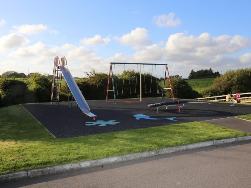 kilmuckridge-holiday-homes-wexford-private-gated-complex-play-area (25)